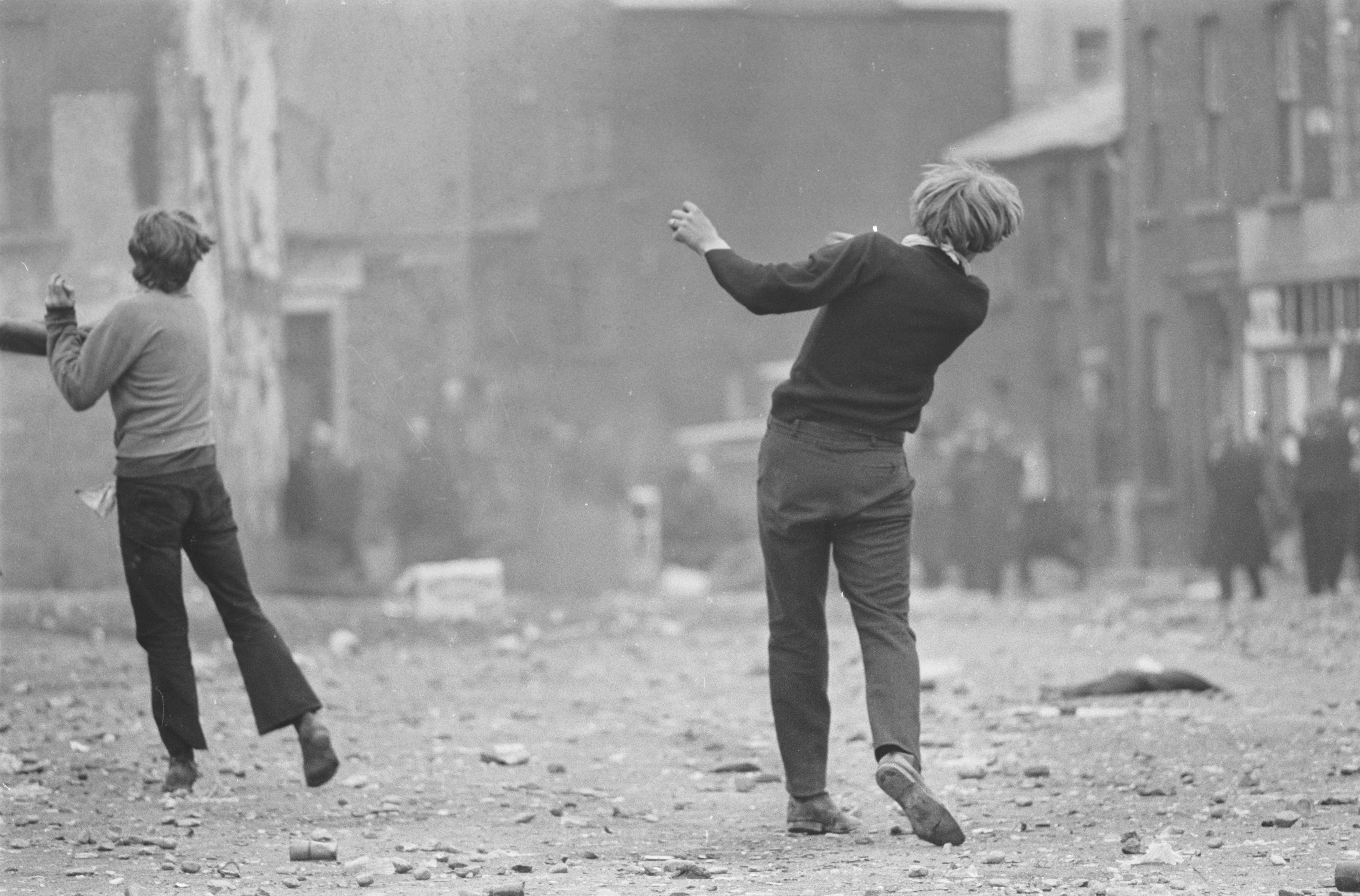 Gilles Caron, Londonderry, Irlande du Nord, août 1969, 1969 © Fondation Gilles Caron, courtesy School Gallery Olivier Castaing